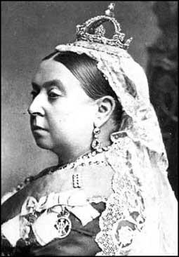 OPI_Queen Victoria